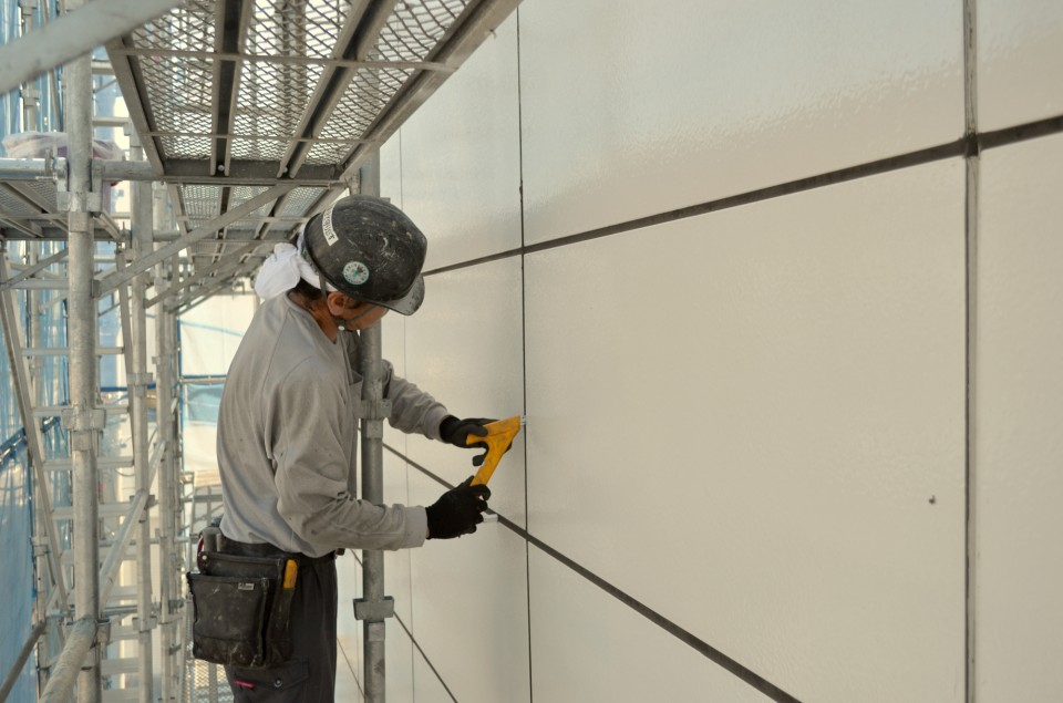 株式会社リアンズは、<br>関西・関東で<br>外装工事を行っている会社です